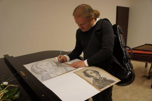 Pavel Šporcl uvedl výstavu portrétů hudebních skladatelů