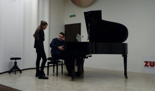 Setkání s klavírním virtuosem Lukášem Klánským