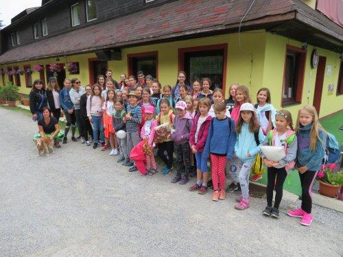 Momentky | z letního výtvarně-sportovního pobytu žáků ZUŠ na Slovensku
