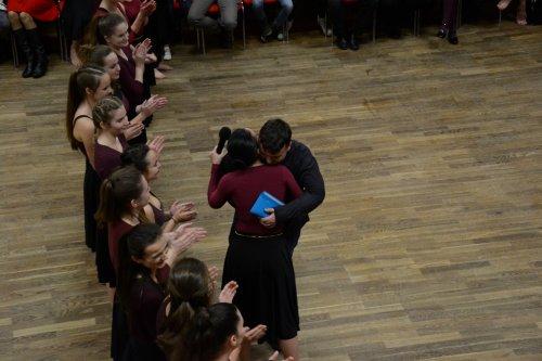 Protančený adventní čas...  | Letos tančily Kurzy baletu nemocnému Markovi